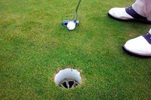 Trou golf