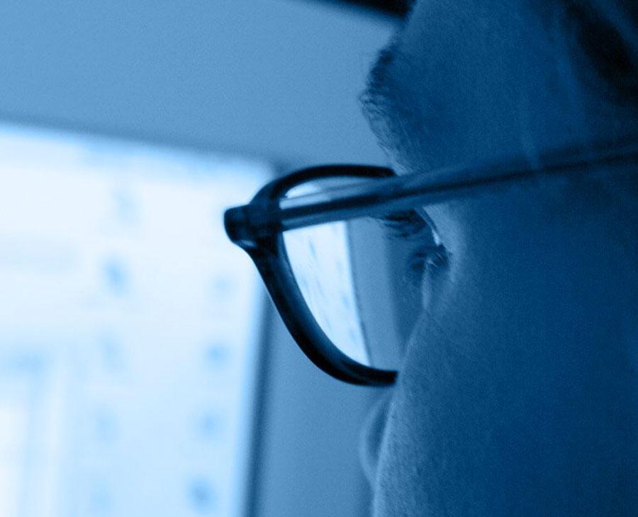 Comment se protéger de la lumière bleue des écrans ?